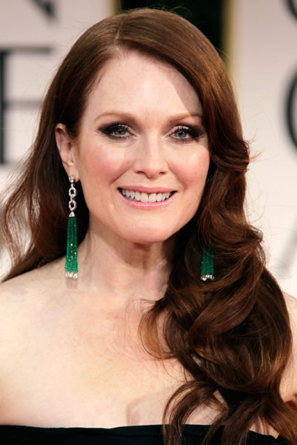 Julianne Moore Sleek Waves, Red Hairstyle