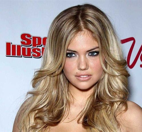 Kate Upton Blonde Hair In Long Layered Hairstyle With Middle Part