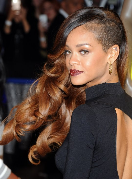Rihanna's Half Grazed Side-Swept Curly Hairstyle