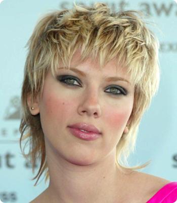 Scarlett Johansson's Blonde 80s Crop Hairstyle